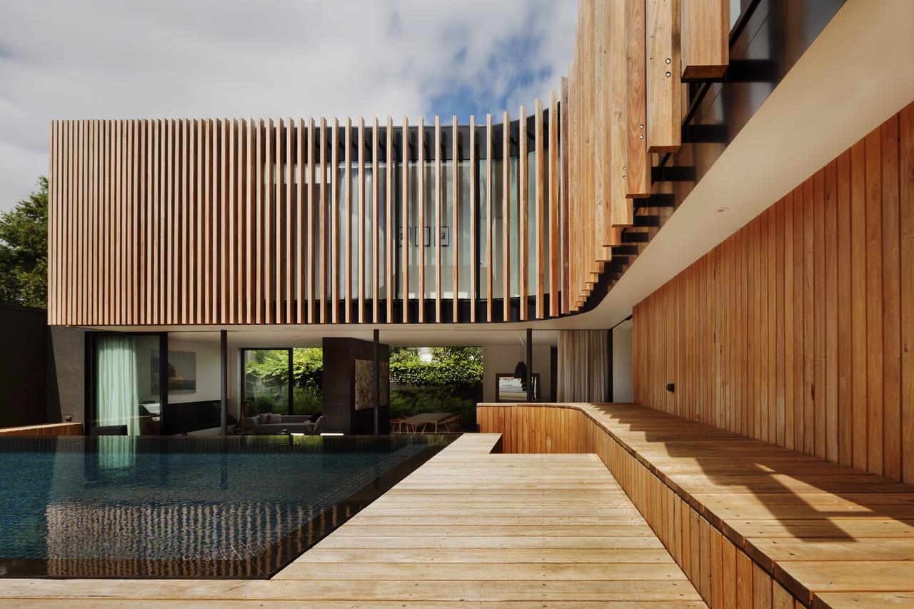 реечный деревянный фасад фото