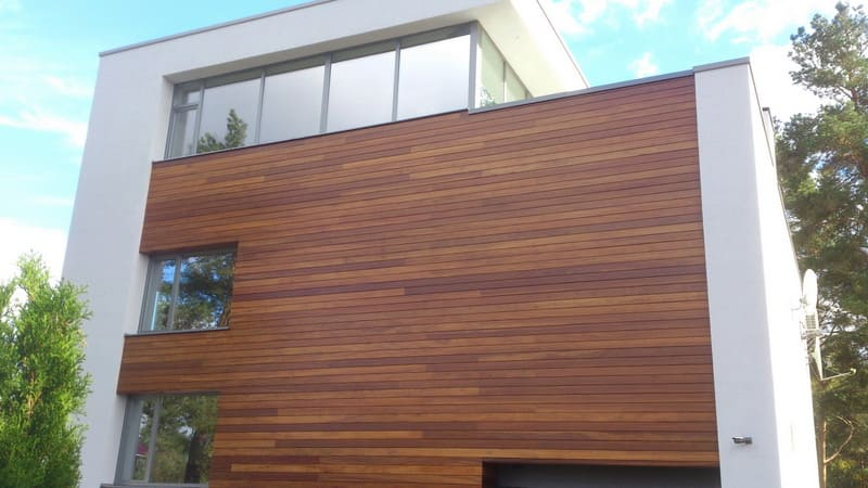 Деревянный фасад из планкена фото